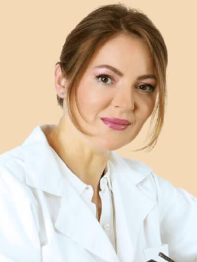 Dr. Angelica Banu plastikkirurg på Veritaskliniken