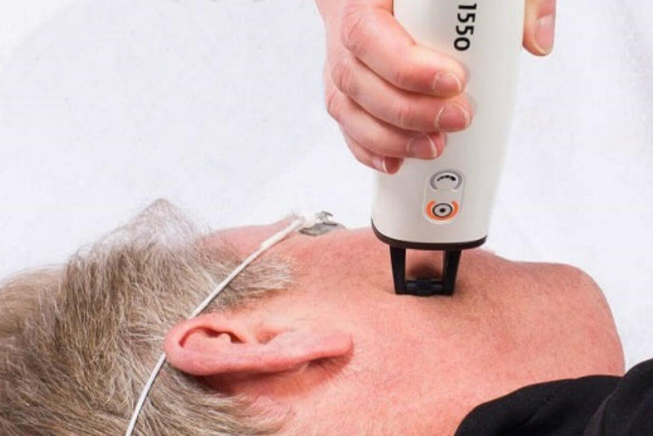 Frax 1550 använder vi för att behandla Akneärr, Stora porer, Bristningar och Rynkor